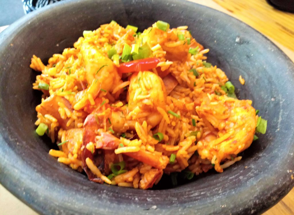 south eatery and social house food